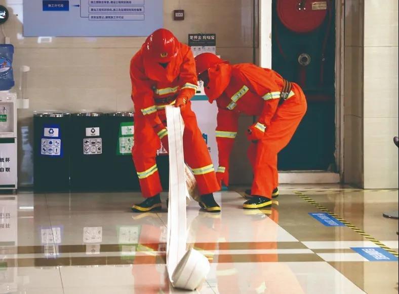 镇海区行政服务中心组织开展消防安全培训演练